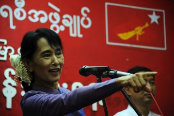 aung+san+suu+kyi+%2528AFP-Getty%2529.jpg