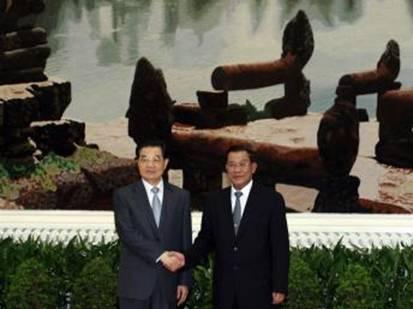 Hu+Jintao+and+Hun+Sen+%2528Channa%252C+RFI%2529.jpg