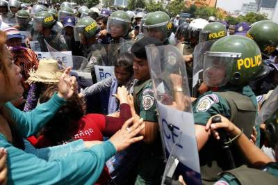 BKL+repression+(Reuters)+03.jpg
