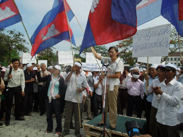 CNRP+demo+24Apr2013+24+(Michael+Miller).jpg