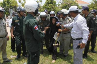 BKL+repression+(Reuters)+05.jpg